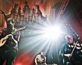 Town of Saints speelt in de der Aa-kerk tijdens Eurosonic 2014