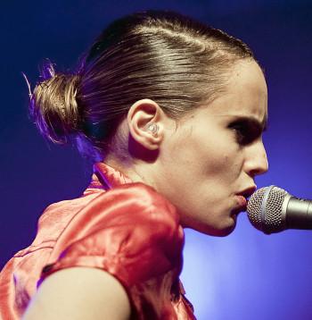 Anna Calvi op Eurosonic