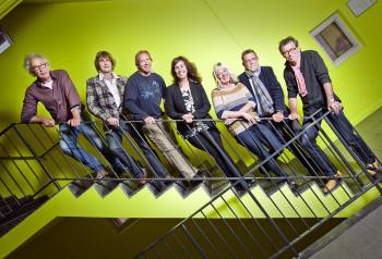 Groepsfoto op trap, Openbare Bibliotheek Groningen