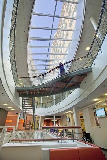 Interieur nieuwbouw oncologie UMCG Groningen