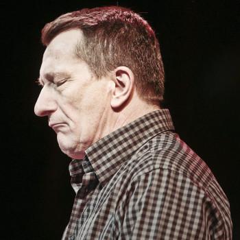 Schrijver Ted van Lieshout tijdens Poeziemarathon 2013, Groningen